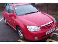 Kia Cerato 5 door hatchback 2.2 Petrol Red *2 keys*