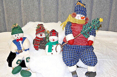 Plush Snowmen - Family of Four - X630