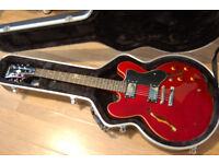 Epiphone Dot guitar, great condition hardly used
