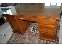 Executive Pedestal Desk With Safety Glass Top
