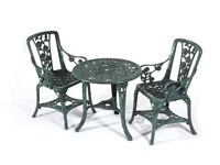 Gorgeous table and two chairs brand new