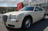 2006 Chrysler 300 LIMITED - BLANC - IMPECCABLE!!!!