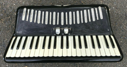 Vintage Italian Black Piano Accordion 41 120 Italy