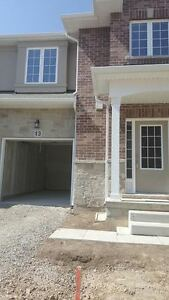 New Executive Style Townhouse In The Heart Of Ancaster