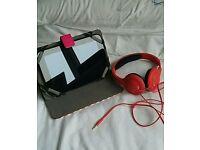 Hudl tablet with Hudl headphones