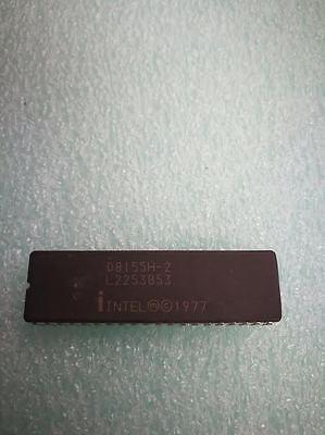 2x D2147H CERAMIC INTEL High Speed 70ns 4096 x 1 Bit Static RAM SRAM IC