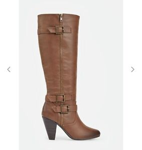 BRAND NEW - SIZE 7 - BOOTS FOR SALE