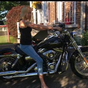 2012 dyna super glide for sale, like new, very clean, low miles