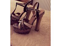River island size 5 shows