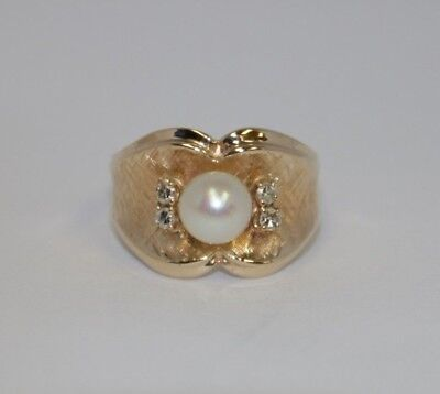 Pearl & 0.12 ctw Diamond Fashion Ring, 14K Yellow Gold, Ring Size 7.5 Diamond Pearl Fashion Ring