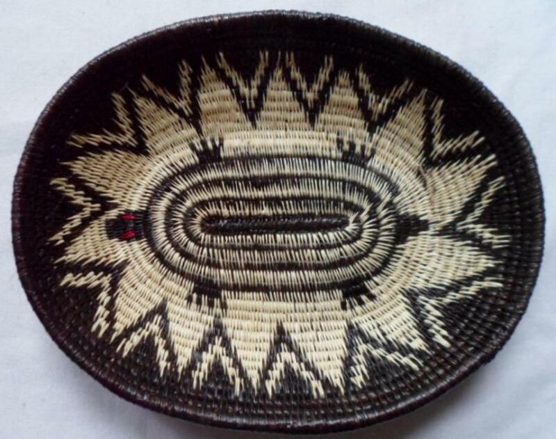 Wounaan Embera Woven Oval Turtle Plate Basket-Panama 21021905mm