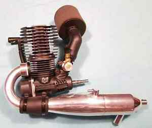 3 NITRO ENGINES***MAKE FAIR OFFER ON ONE YOU WANT***