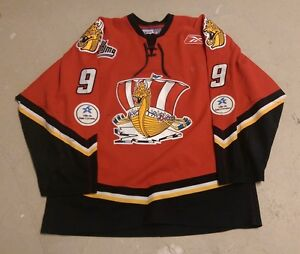 Guillaume Goulet game worn hockey jersey