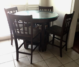 "GOOD CONDITION 41"" GLASS TOP DINING SET FOR SALE"