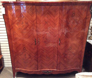 Vintage Louis XV-style sepentine -fronted armoire