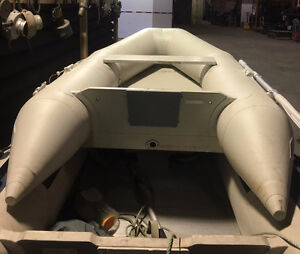 8' Inflatable boat