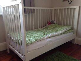 Ikea GULLIVER cot bed (white) + VYSSA mattress (v.good condition)