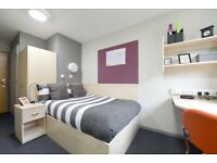 STUDENT ROOM TO RENT IN GLASGOW, ENSUITE ROOM WITH LARGE STORAGE , WARDROBE, PERSONAL STUDY SPACE