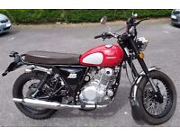Sinnis Retrostar 250cc Red only 750 miles great condition