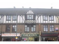 ** THREE BEDROOM MAISONETTE AVAILABLE MID OCTOBER - RIGHT ON THE BROADWAY **