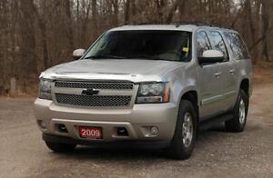 2009 Chevrolet Suburban 1500 LT 7 Passenger + DVD + Sunroof +...