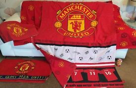 Manchester United Bed Set, Curtains, Rug and Towel.
