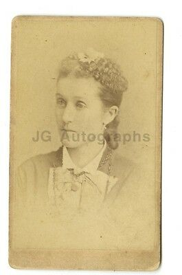 19th Century Fashion - 1800s Carte-de-visite - Woman w/Necklace