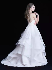 NEW Paloma Blanca Wedding Gown