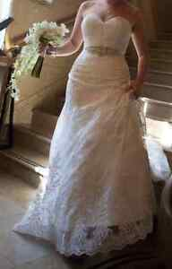 Wedding dress with accesories for sale
