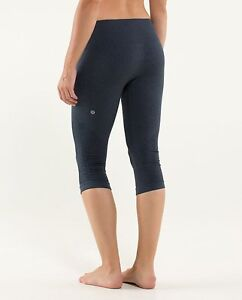 LULULEMON In The Flow Crop II -  Size 4