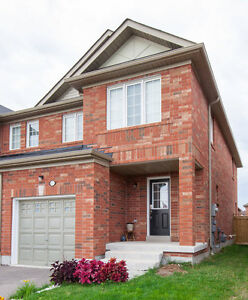 Open House: Gorgeous End Townhown House in Stouffville