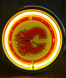 Calgary Flames Neon Light up CLOCK (PIERREFONDS) West Island Greater Montréal image 3