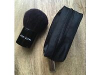 Bobbi Brown All Over Brush & Pouch