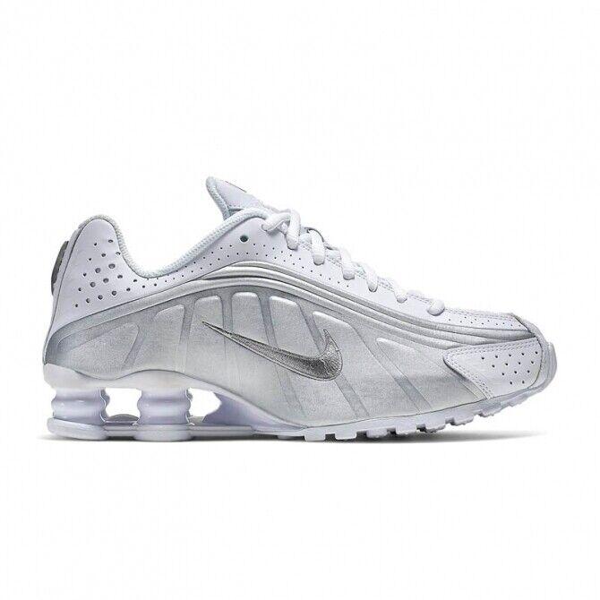BNIB Nike Shox R4 Womens Trainers Size UK 4, EUR 36.5 White/Silver