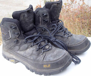 REDUCED PRICE - Women's Jack Wolfskin hiking boots - size 9
