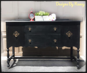 Lovely Solid Wood 1930's Jacobean Style Sideboard/Buffet!