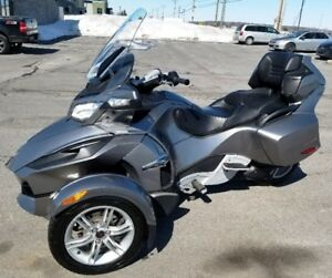 2011 Can-Am Spyder RT  SM-5  Extra clean