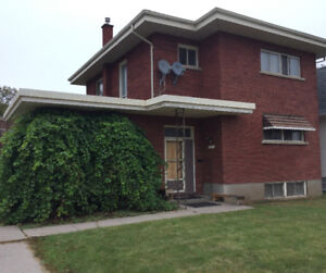5 Bedroom Home/Open House Saturday!