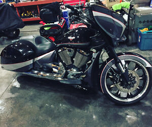 2015 VICTORY MAGNUM RARE MOTOVATED SELLER!