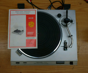 Vintage Realistic Lab-395 Direct Drive Turntable