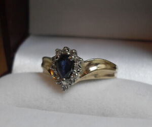 "Vintage - 10k yellow gold - ""Sapphire"" and Diamond Ring"