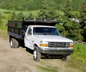 Ford F350 Super Duty 1997 7.5L Gas Excellent Farm or Work Truck