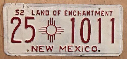 "1952 NEW MEXICO AUTO LICENSE PLATE "" 25 1011 "" NM 52 AMATEUR REPAINT SOCORRO CO."
