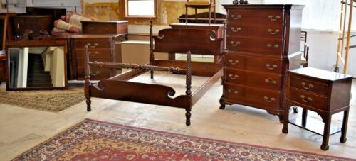 Solid Mahogany Georgetown Galleries Antique Full Size Bedroom Set