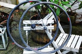 Bontrager Race XXX Lite Road Racing Carbon Clincher Wheelset 700c 1340gram Zipp Mavic Reynolds