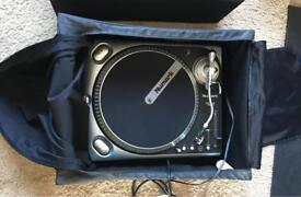 Numark TT200 Decks x2 & Behringer VMX200 Mixer