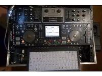 Denon DJ HD2500 with 128GB SSD + DN-X050 Mixer, keyboard/hub and flightcase