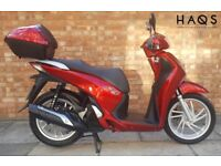 Honda SH 125 (65 REG), 1 Owner! Excellent condition, only 1500 miles on the clock!