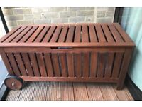 Ikea storage bench with wheels- in a very good condition