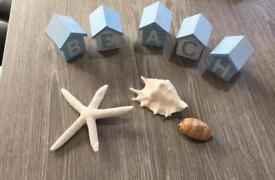 Beach/seaside accessories